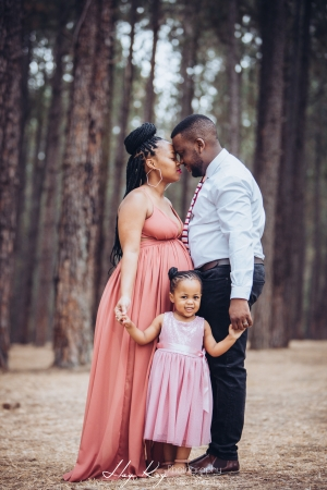 pine-forest-maternity-shoot-lorato-014
